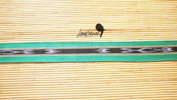 Tanimbar Scarf - Green 03 115 cm x 8 cm